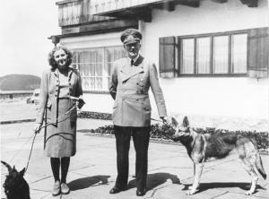 Adolf Hitler und Eva Braun image from the German Federal Archive